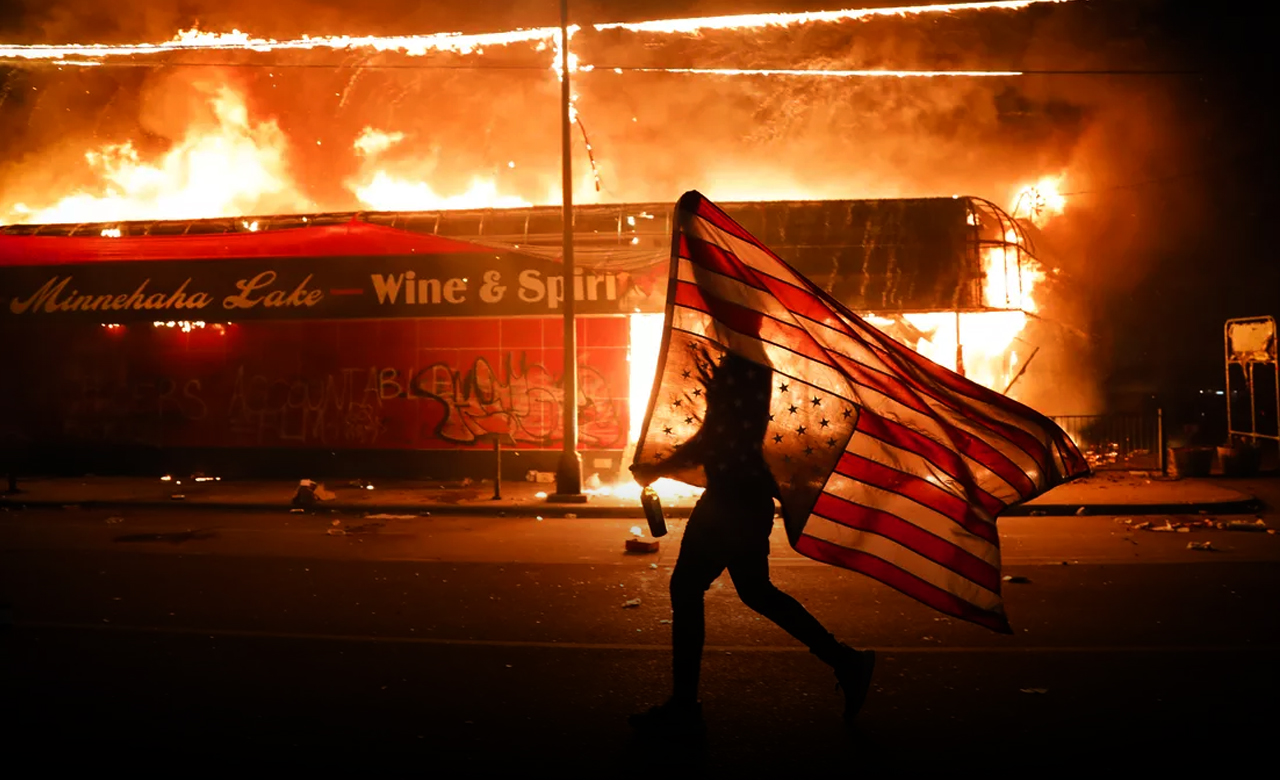 Clashes across US as protesters demand justice 2
