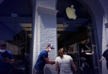 Apple shuts down stores in four states as wave of new cases emerged