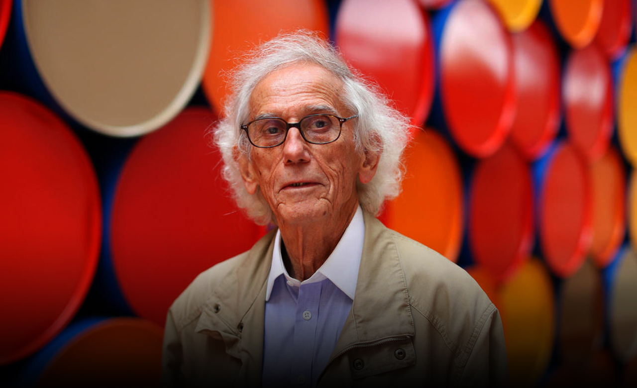 Christo, a popular landmark wrapping artist, died at 84