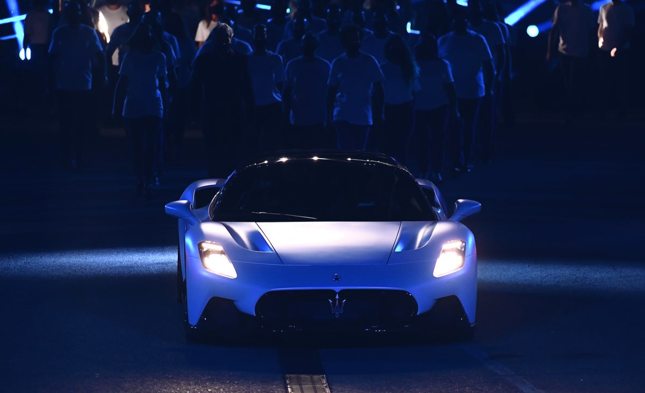 Maserati uncovers its first supercar MC20 after fifteen years